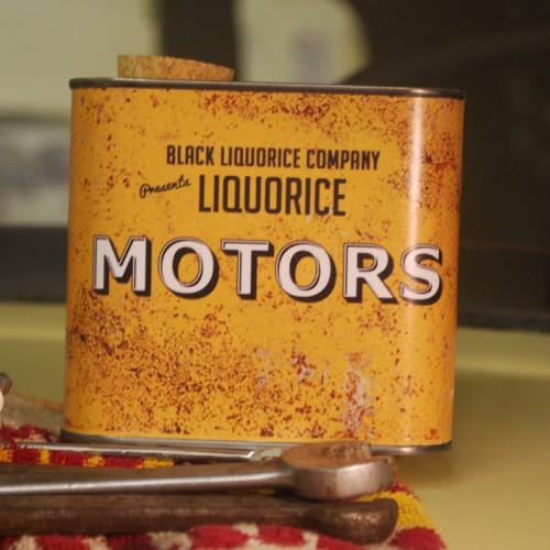 Liquorice Motors Classic Rusty Tin