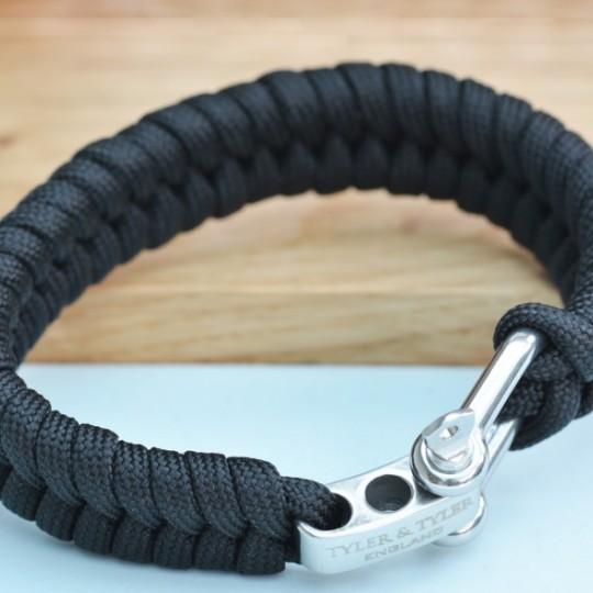 Shackle Wristband